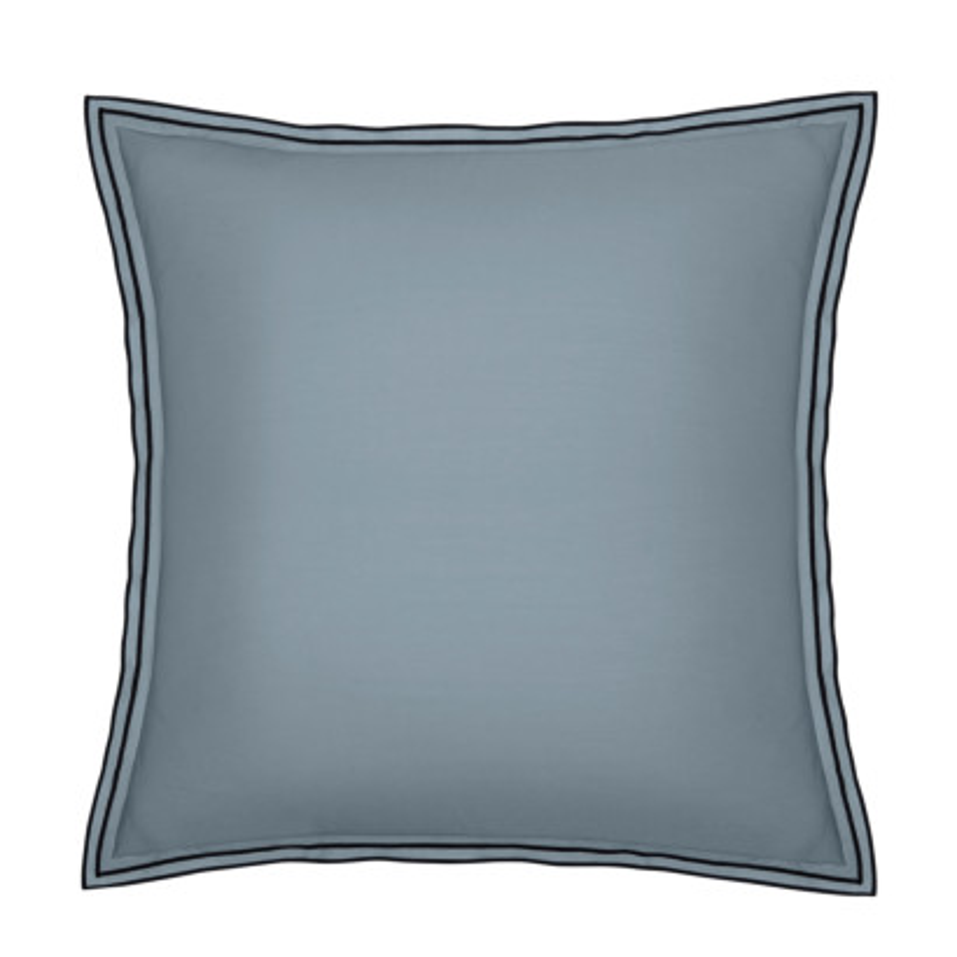 Taie d'oreiller PURE WHITE percale lavée blue - finition black